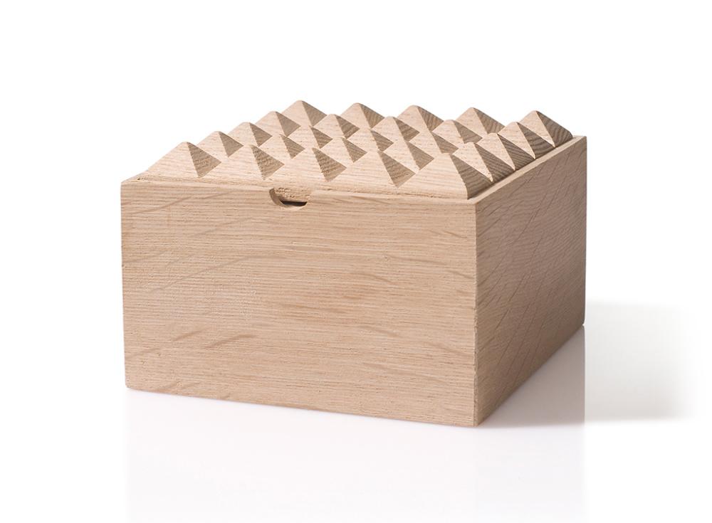 Pyramid Medium Box Oak