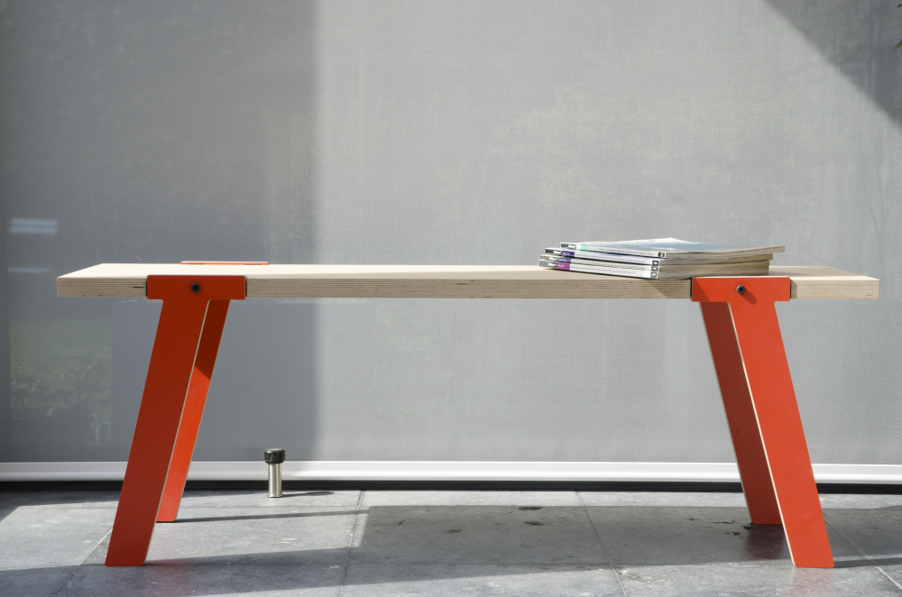 rform Switch Bench 06 - Foxy Orange